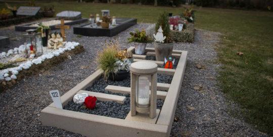 Grabanlage aus Ruhrsandstein